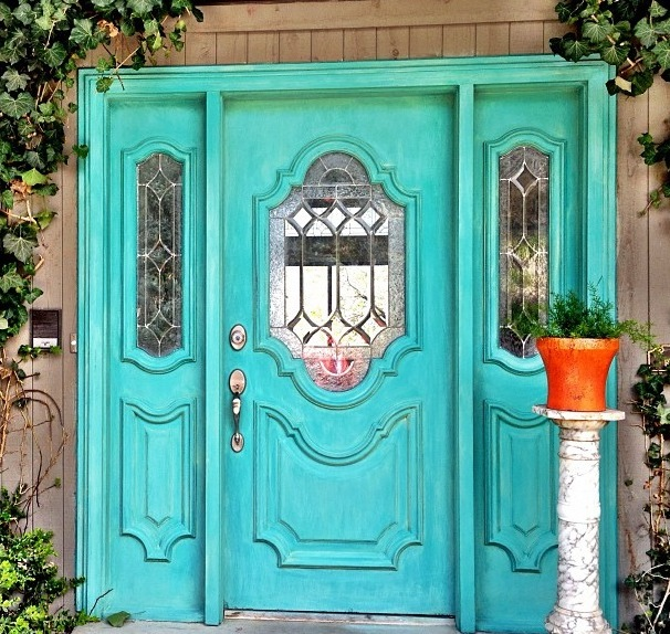 Front Door Furniture: DIY Furniture Makeovers With Chalk Paint